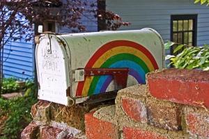 Photo: mailbag gay rainbow mailbox. Photo source: Google Images